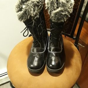 WOMEN RUGGED OUTBACK BOOTS SIZE 7